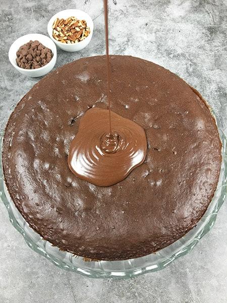 Pecan Pie Caken drizzle frosting
