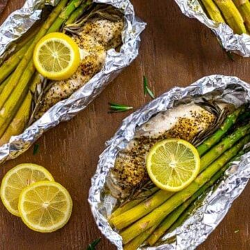 Lemon Pepper Chicken with Asparagus and Rosemary Foil Packets